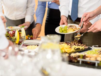 Jeśli pracodawca finansuje pracownikom posiłki